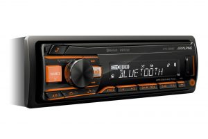Alpine UTE-200BT je spoľahlivé 1DIN autorádio bez CD mechaniky MP3/WMA/AAC s AUX