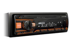Alpine UTE-200BT je spoľahlivé 1DIN autorádio bez CD mechaniky MP3/WMA/AAC s AUX