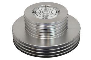 ortofon_record_stabilizing_clamp hliníková stabilizačná svorka vinylov s vodováhou