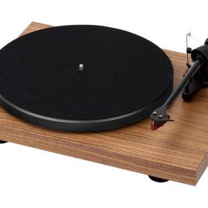 Manuálny gramofón Pro-Ject Debut Carbon Walnut Limited