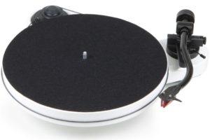 Pro-Ject RPM 1 Carbon white - manuálny iaudiofilský ramofón